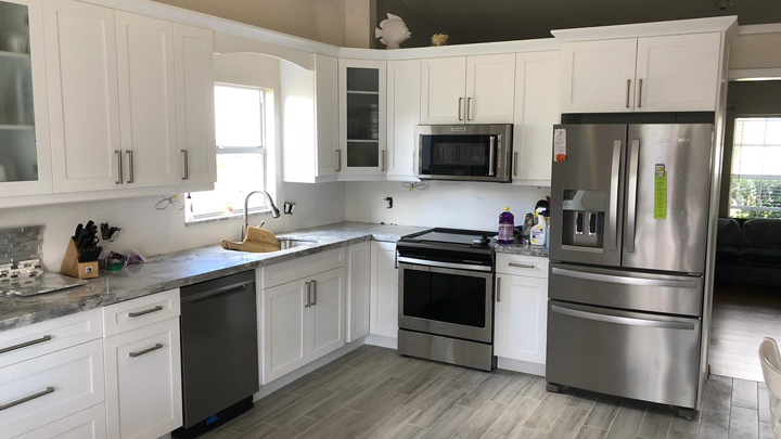 White Shaker Kitchen Cabinets Panhandle 904